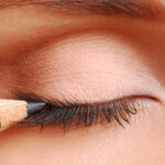 How To Apply Eyeliner In These Simple Steps